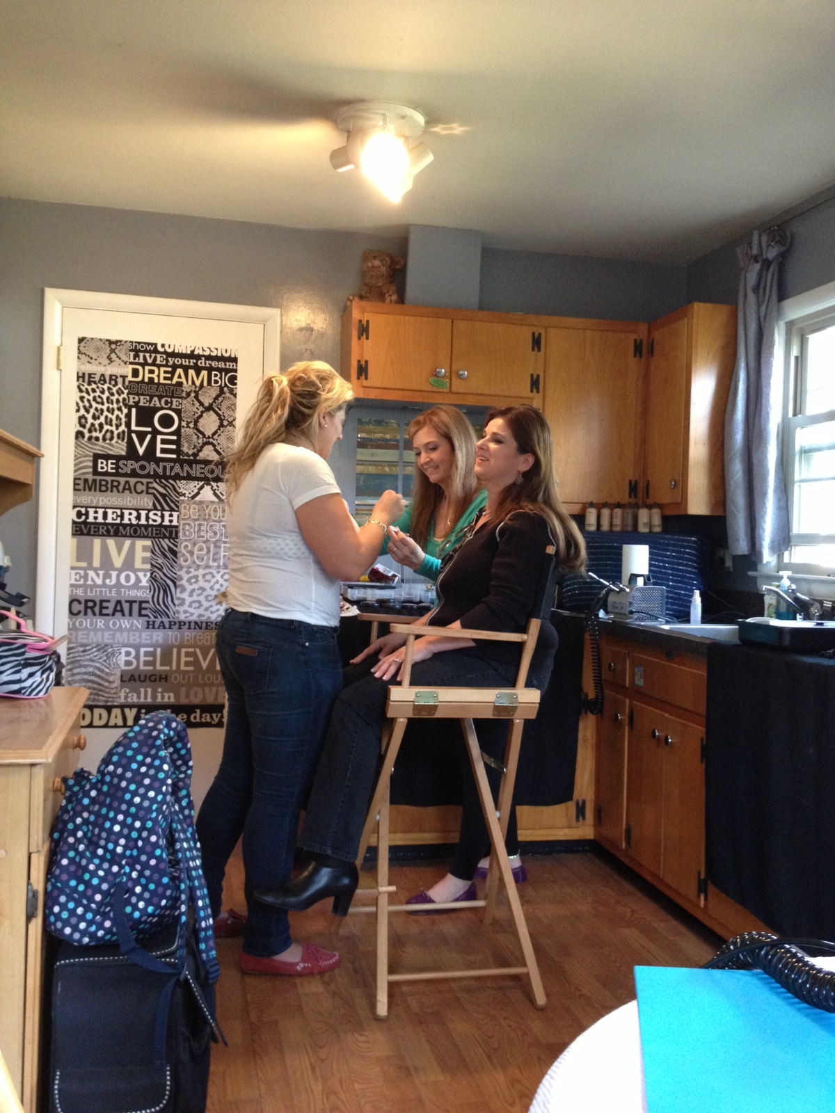 Airbrush training @ Gretchen Marie's new Makeup Academy!